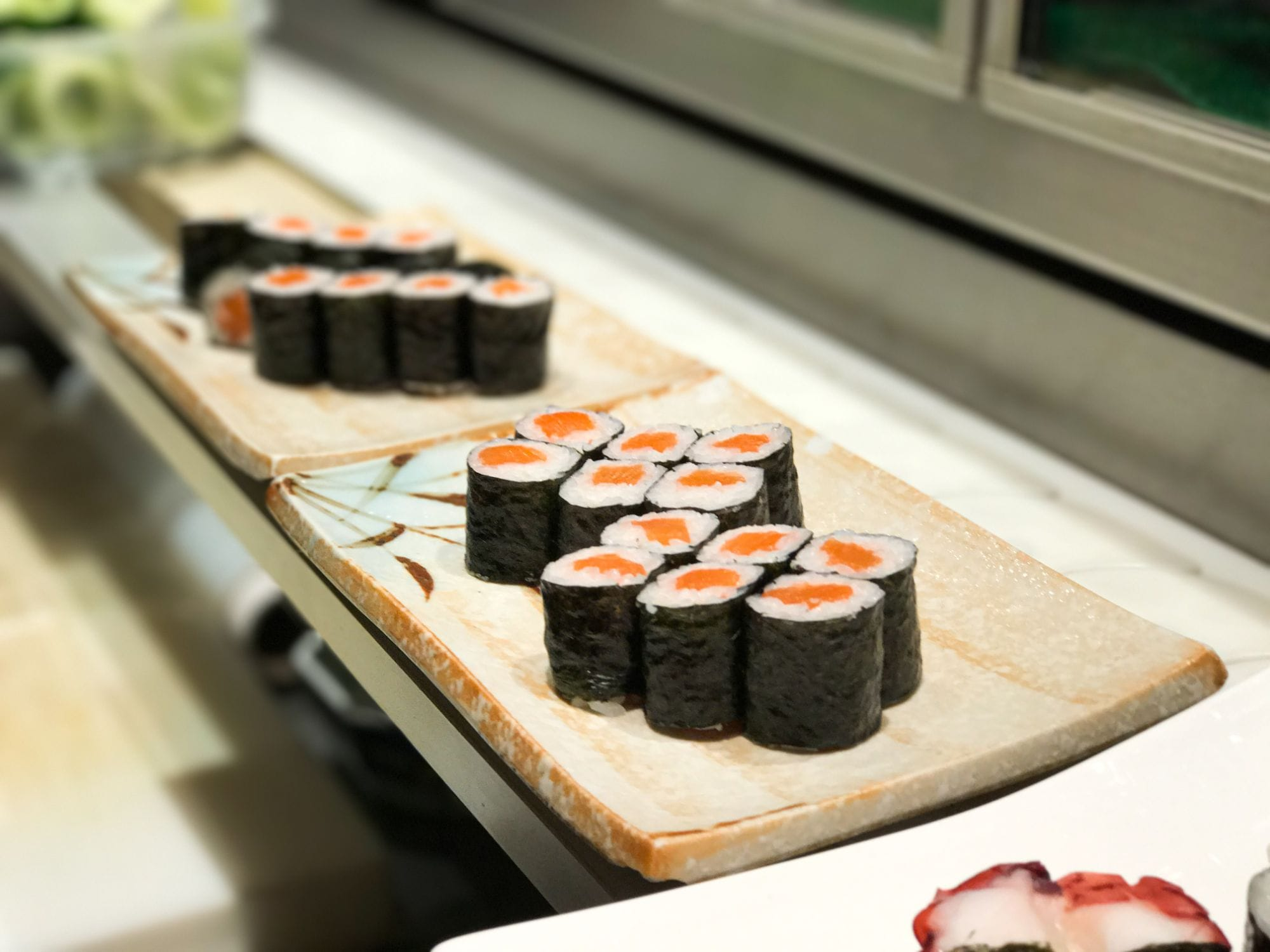 Sushi set with salmon maki at Sushi Berlin